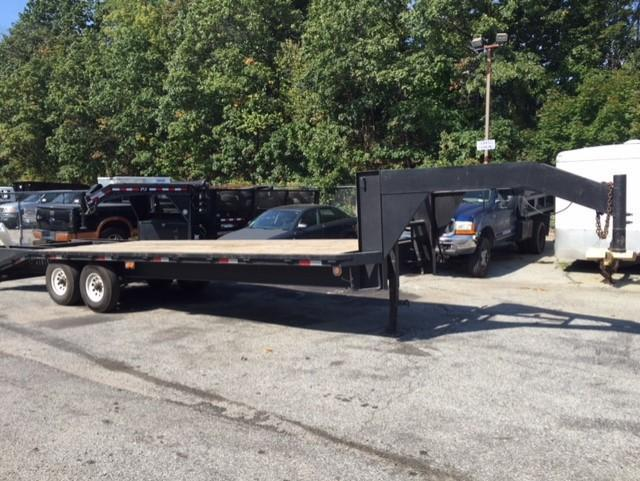2001 Big Tex Trailers 20 plus 5 Gooseneck 14K Equipment Trailer