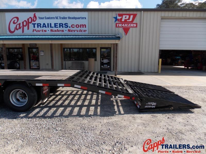 2020 PJ Trailers PJ LDR32A2BSWKO Flatbed Trailer