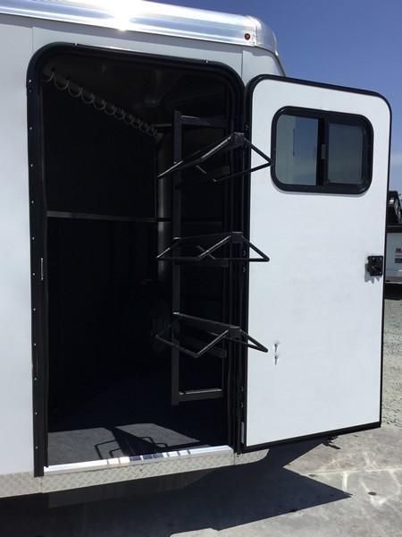 New 2020 Logan Coach Crossfire 3H Horse Trailer BP