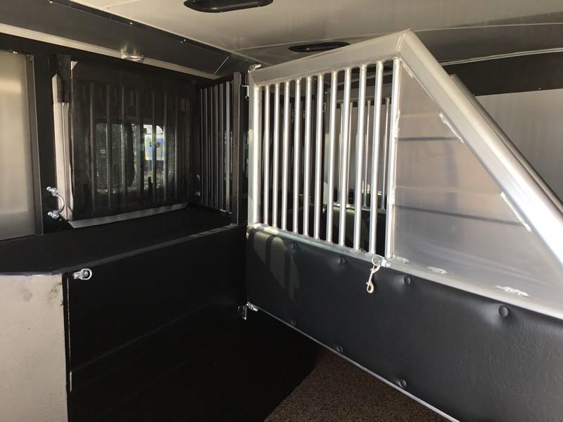 NEW 2019 Logan Coach 3H Rampage GN Horse Trailer