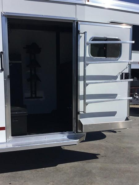 2019 Logan Coach 2 plus 1 Warmblood XT GN Horse Trailer