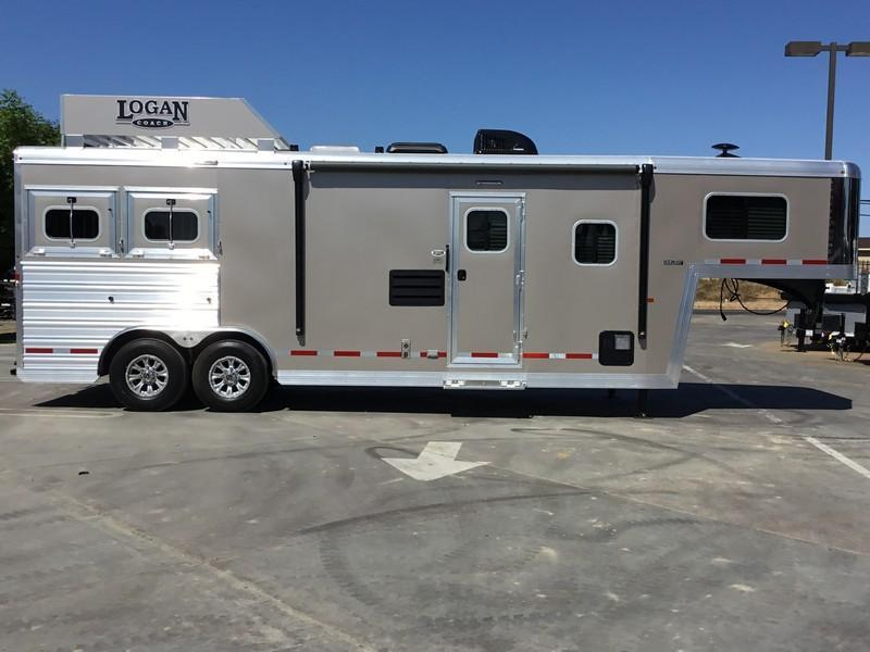 NEW 2019 Logan Coach Select 810 2H Horse Trailer