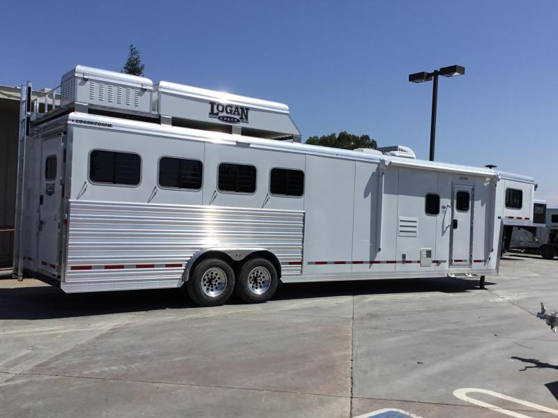 New 2019 Logan Coach 813 S/O Plat PKG 4 Horse Living Quarters Trailer