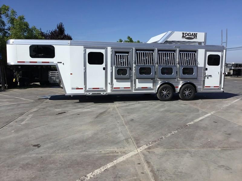 NEW 2019 Logan Coach Riot 4 horse trainers tack sport package Horse Trailer