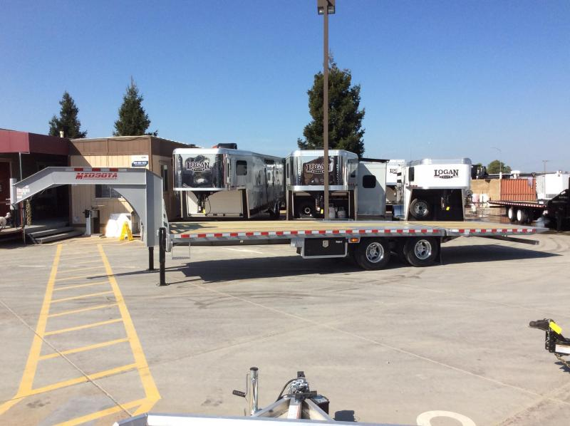 NEW 2020 Midsota 30 ft Heavy Duty GN Flatbed hydraulic dove tail Equipment Trailer