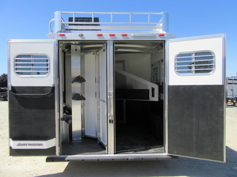 New 2019 Elite Trailers 2H Mustang LQ Horse Trailer