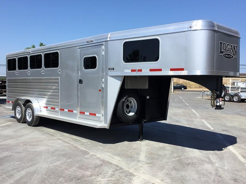 NEW 2019 Logan Coach Riot 4H GN Horse Trailer