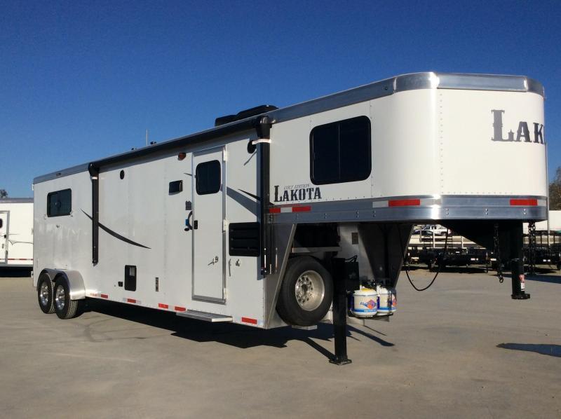 2020 Lakota Colt AC311 3h 11' Living Quarters Horse Trailer