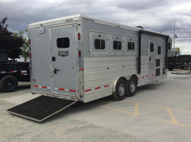 2017 Logan Coach 3H Razor 8' LQ Horse Trailer