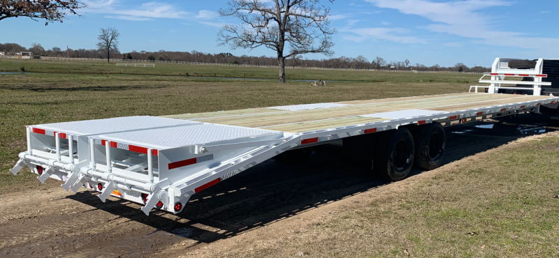 Traxx Trailers 40' Flatbed Trailer
