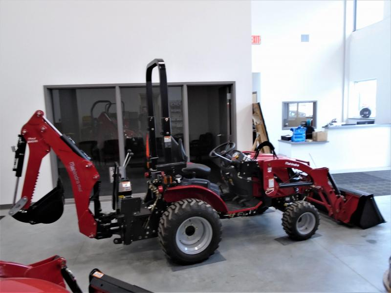 2020 Mahindra eMax25L with Loader and Backhoe Tractor