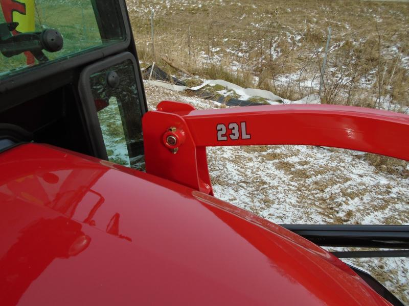 2020 Mahindra eMax20s with Cab and Loader Tractor
