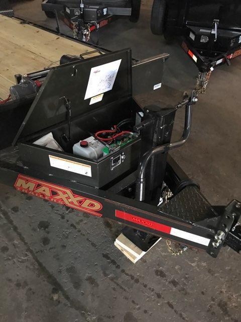 2020 MAXXD T6X 8324 Power Hydraulic Tilt