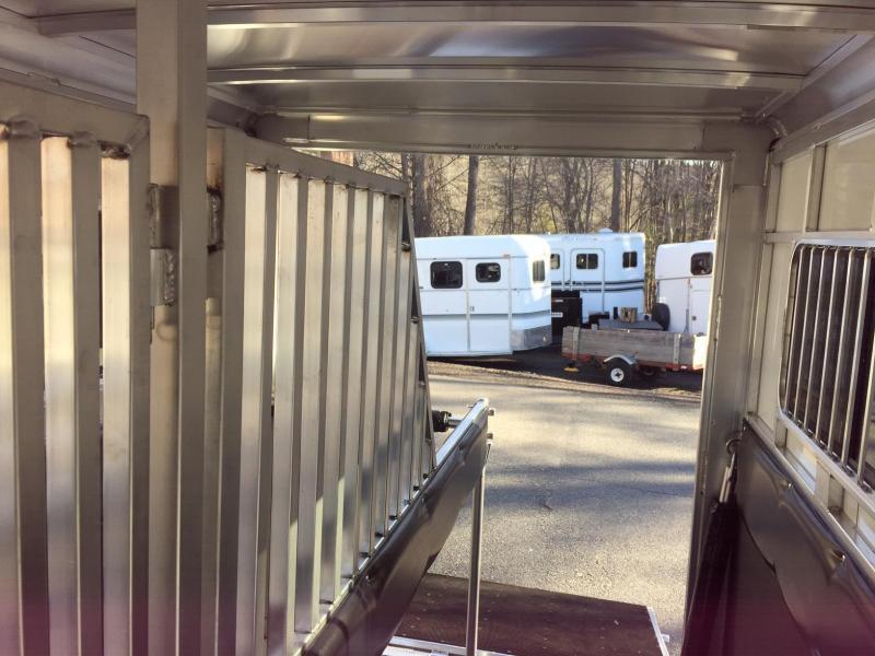 2020Sundowner Trailers Sundowner  side unload