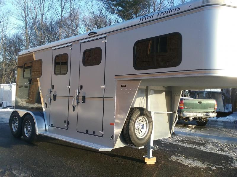2020 Sundowner Trailers Charter Custom 2h GN Horse Trailer