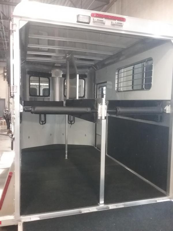 2020 Kingston Trailers Inc. Classic Elite Warmblood Horse Trailer