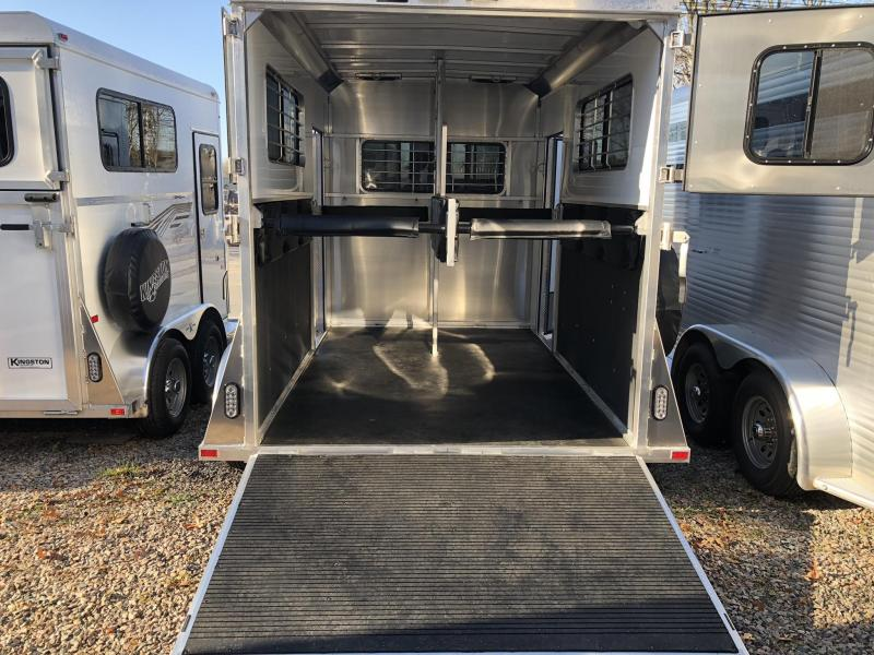 2020 Kingston Trailers. Classic Elite R/RoomHorse Trailer