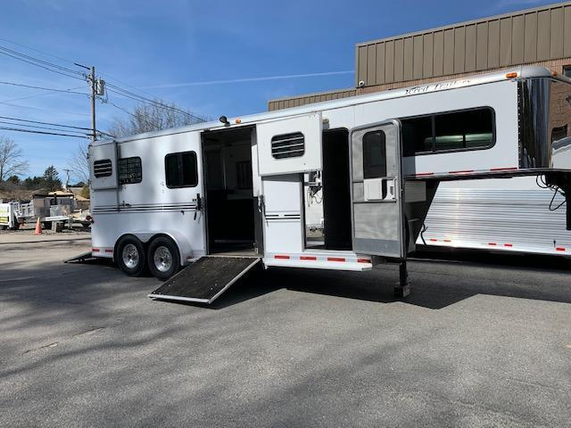 2006 Silver Star Trailers 2&1/carriage trailer Horse Trailer