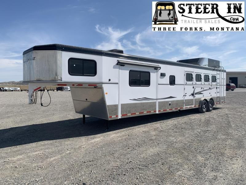 2015 Trails West 4H LQ Horse Trailer