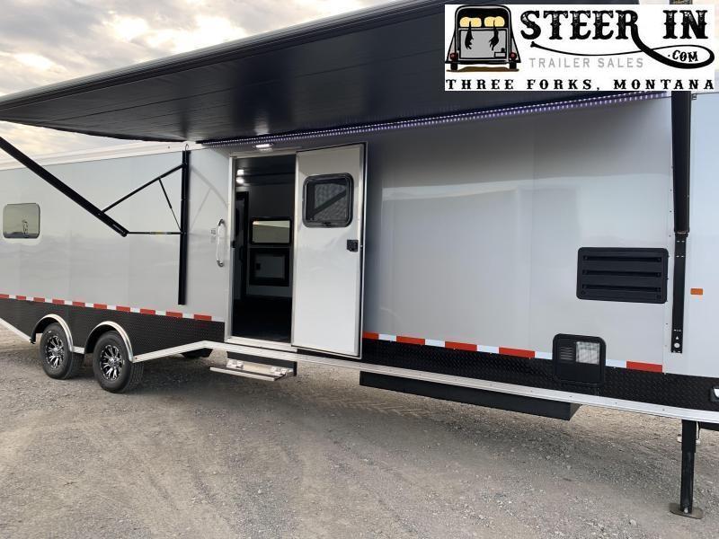 2019 Logan Coach Horsepower Summit H2O Package