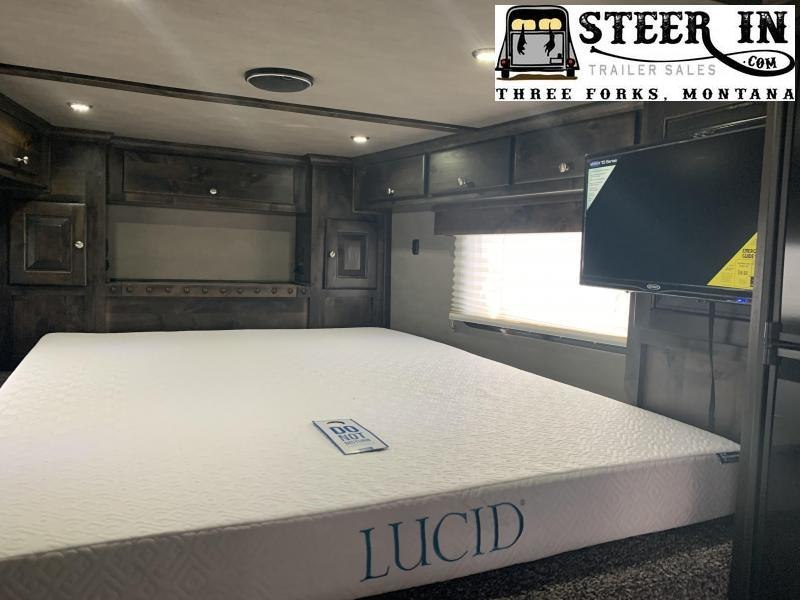 2020 Logan Coach 35'Horsepower Summit H2O Package