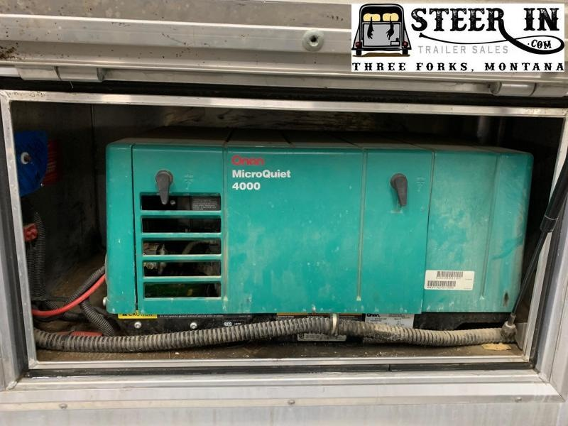 2004 Hart 3H 9' SW LQ w/ Generator