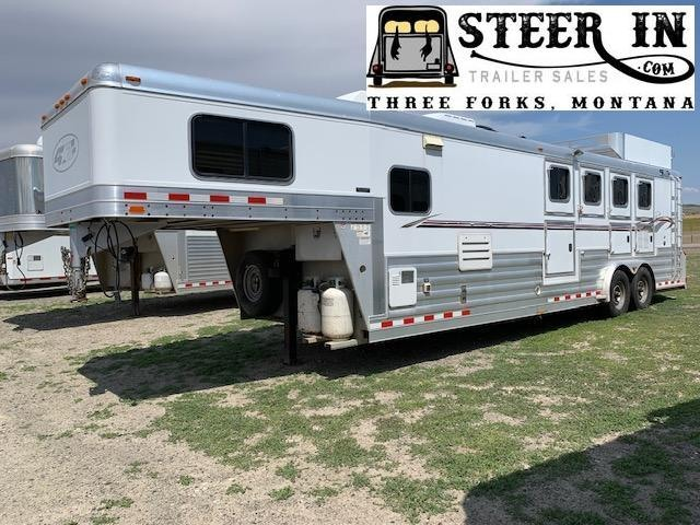 2008 4-Star  4H LQ Horse Trailer