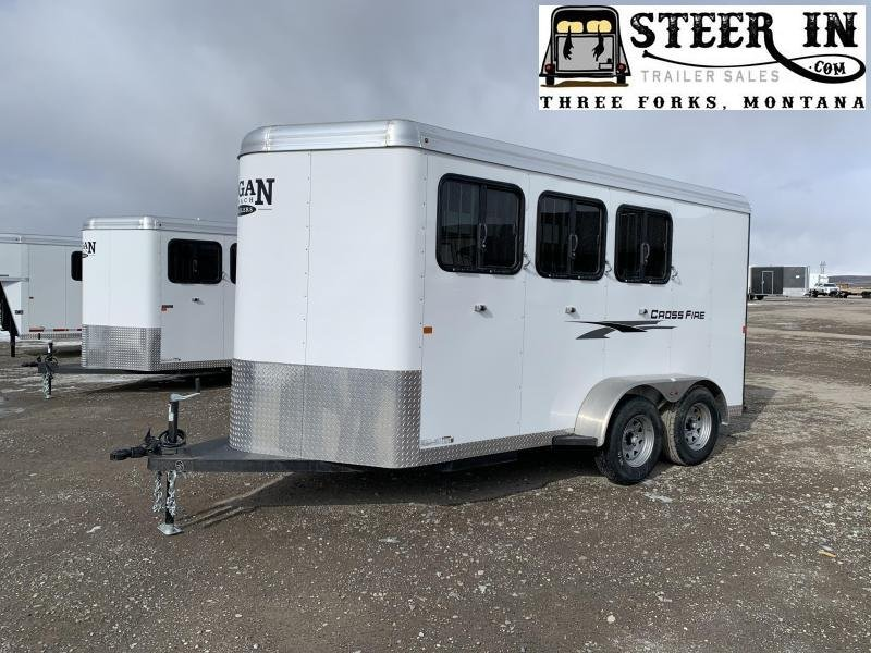 2020 Logan Coach Cross Fire 3-Horse BP Horse Trailer