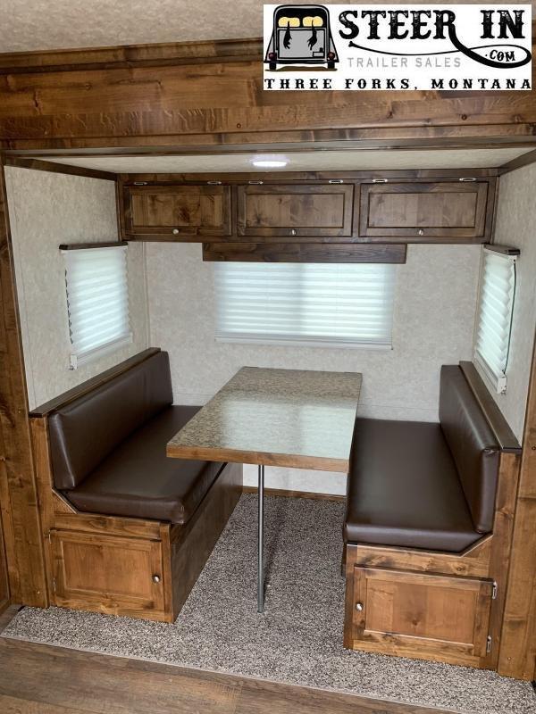 2019 Logan Coach 812 Limited Stock/Combo LQ