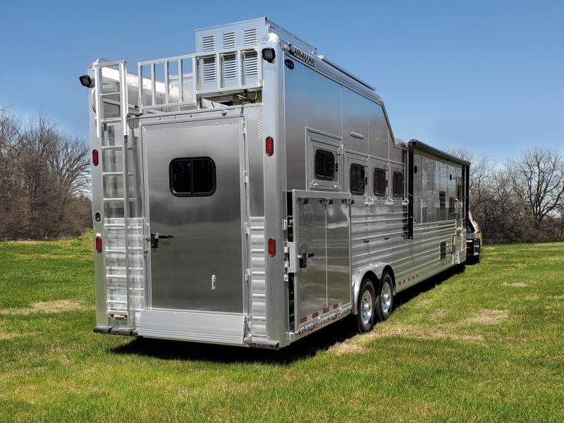 2020 4 Horse Trail Boss Living Quarters Cimarron Horse Trailer