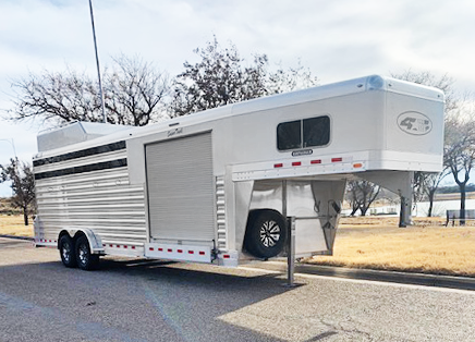 2020 4-Star Smart Tack 5 Horse Trailer