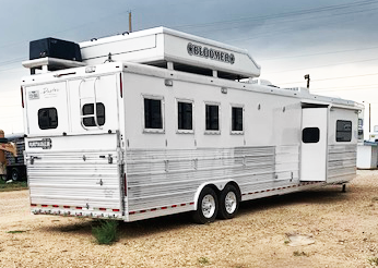 2008 4 Horse Living Quarters Bloomer Trailer