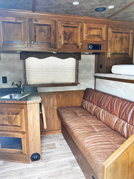 2020 Cimarron 2 Horse Living Quarters Trailer