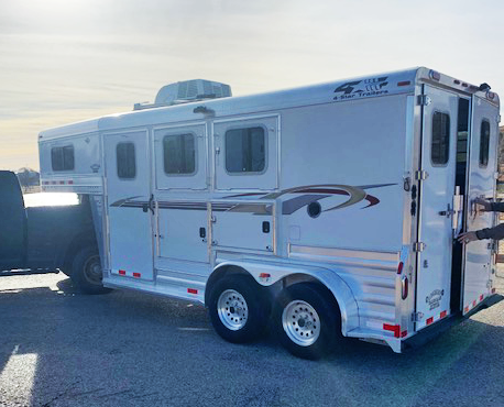 2008 4-Star 2 Horse Weekend Package Trailer