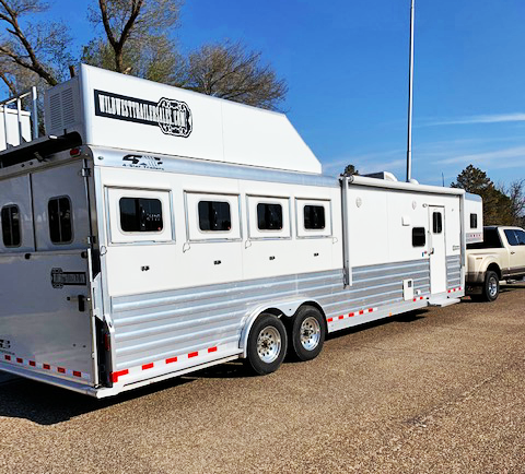 2018 4 Star 4 Horse Living Quarters Trailer