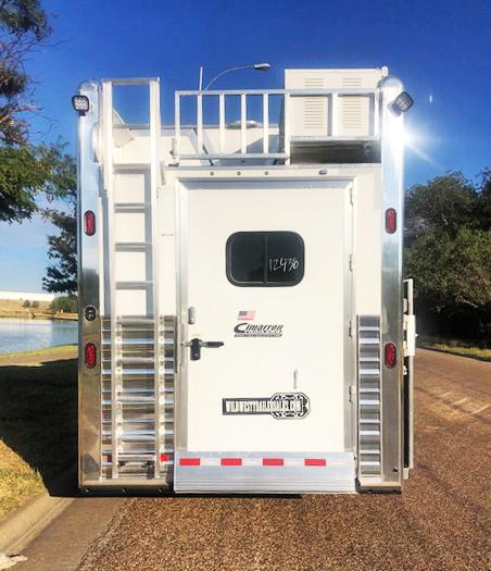 2020 Cimarron 15' Short Wall 4 Horse Living Quarters