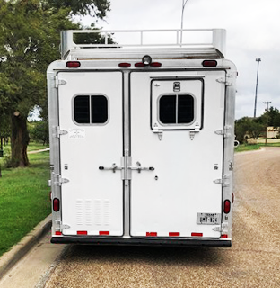 2001 4-Star 3 Horse Living Quarters Trailer