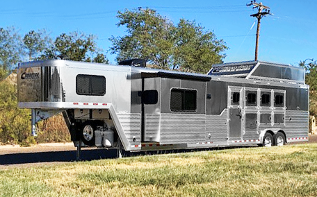 2020 Cimarron 4 Horse Side Load Living Quarters Trailer