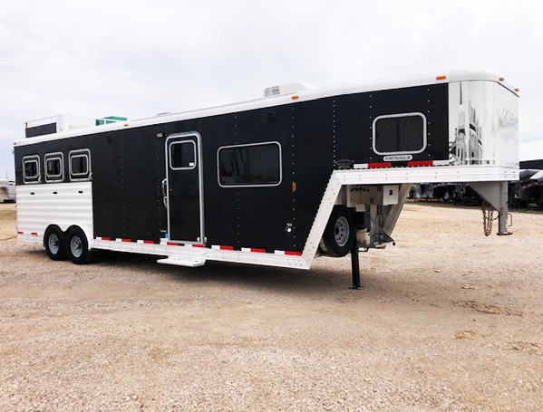 2013 Black Exiss 3 Horse Living Quarters Horse Trailer
