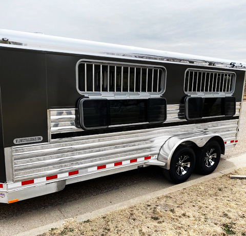 2020 4-Star 6 Pen Bumper Pull Show Trailer