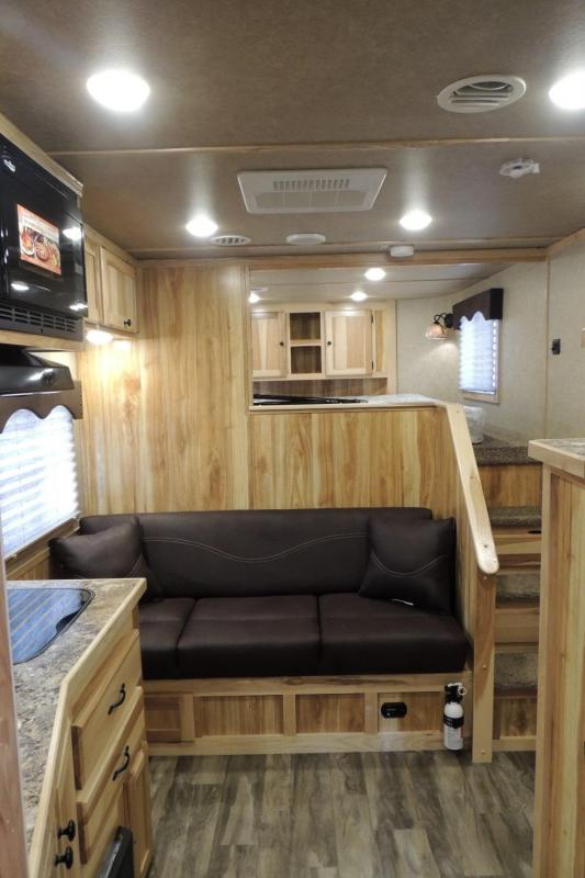2020 Lakota Charger 8311 SR Horse Trailer