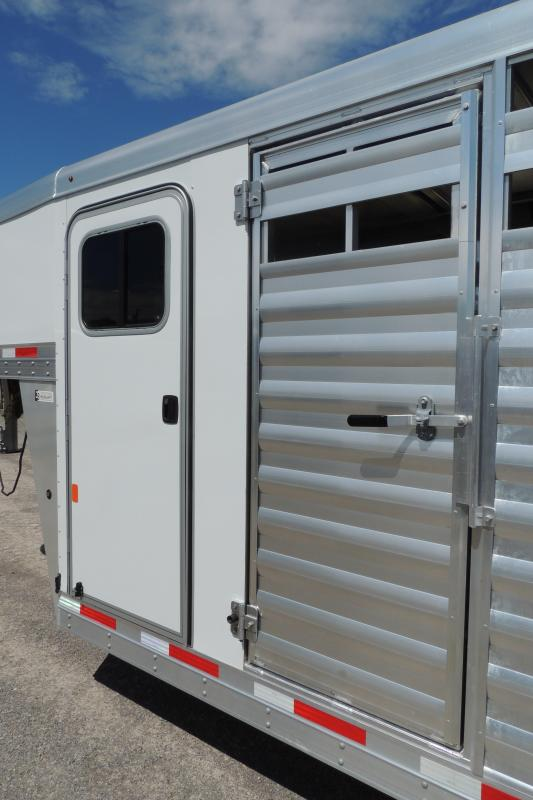 2020 Exiss Trailers STC 6820 Livestock Trailer
