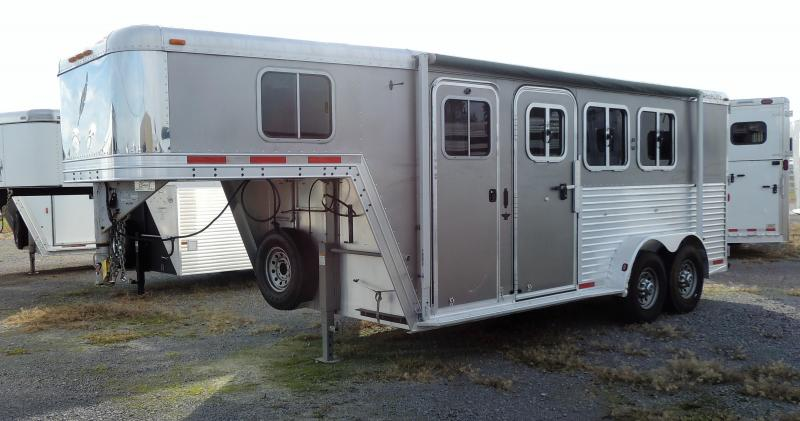 2004 Featherlite 3H Horse Trailer