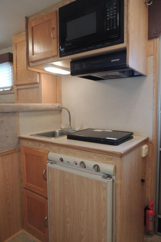 2006 Exiss Trailers 7408 Sport Horse Trailer