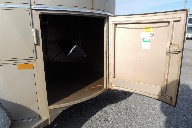 2006 W-W Trailer 2H Straight Load Horse Trailer