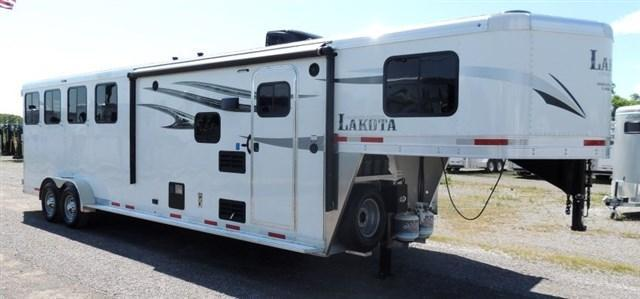 2020 Lakota Charger 409 Horse Trailer w/ Slide and Mangers