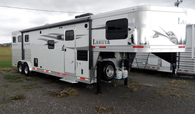 2020 Lakota Charger 8311 w/ 6 Slide Horse Trailer
