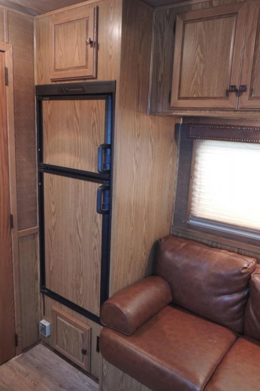 2012 Sundowner Trailers Horizon 8011 4 Horse Horse Trailer