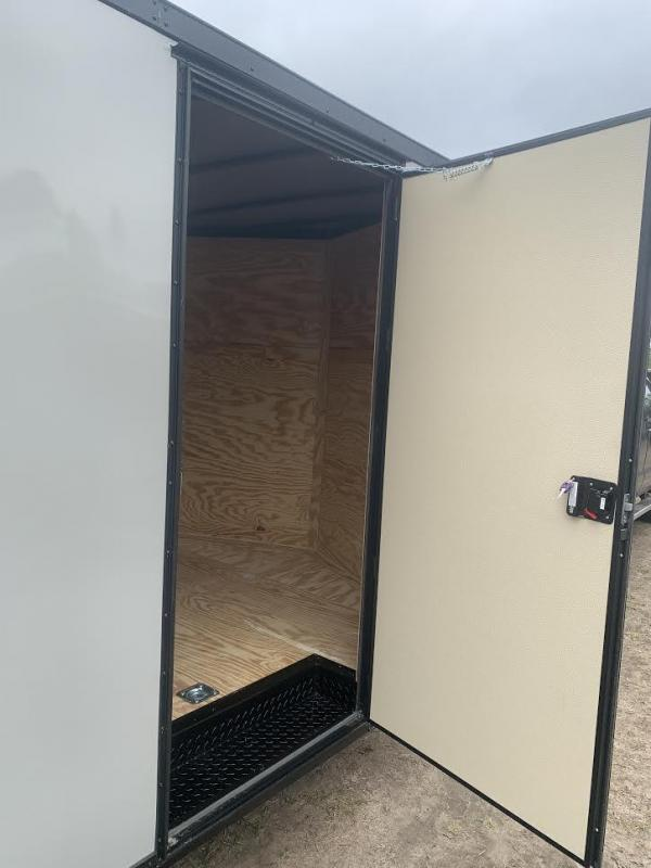 8.5x24 Dove Gray Blackout Elite Spread Enclosed Cargo Trailer