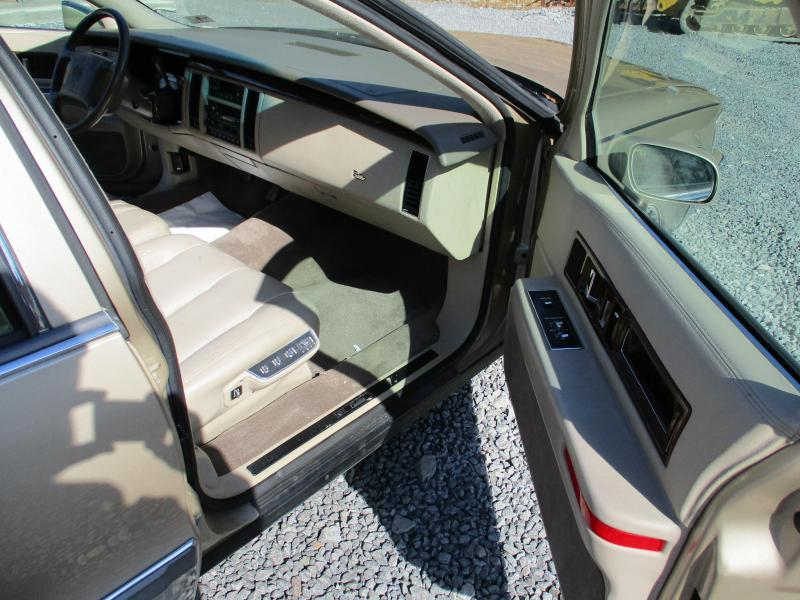 1994 Cadillac FLEETWOOD BROHAM Car